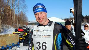 Porträttbild på Jarkko Hiltunen.