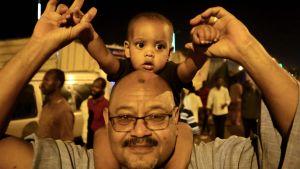 Den 15 maj fylldes centrum av huvudstaden Khartoum av människor som firade en prelimimär överenskommelse mellan militärjuntan och proteströrelsen om ett övergångsstyre.