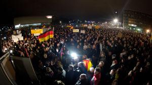 Demonstration i Dresden mot islamisering av Tyskland, 15.12.2014.