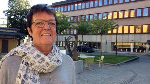 Vi har inget samarbete med SD men vi bjuder in alla partier till informationsmöten, säger kommunalråd Inger Källgren Sawela.
