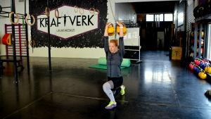 Matilda tränar ofta i den här salen när hon är i Borgå.