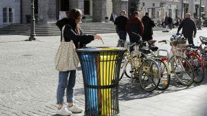 Avfallskärl för sortering av olika slags avfall i Ljubljana 27.2.2019