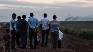Turkiskt bombardemang av staden Tel Abyad i Syrien 10.10.2019