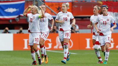 Danska spelarna kommer till vm kvalmatchen mot kroatien