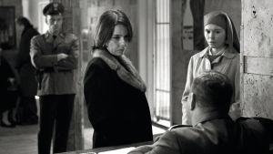 Kuva Pawel Pawlikowskin elokuvasta Ida.