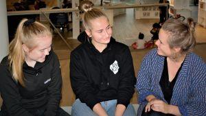 Isabelle Sommardal, Ronja Schalin och Eva-Maria Koskinen