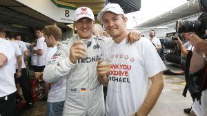 Schumacher och Rosberg skålar