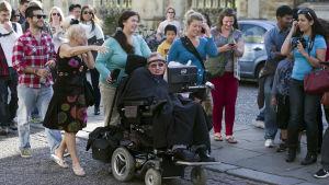 Stephen Hawking i sin rullstol.