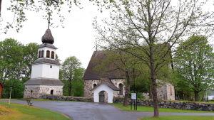 Karis kyrka.