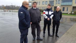 Fyra personer som bildar andelslaget Taxi Raseborg: Rabbe Österlund, Krister Westerlund, Roy Vidfält och Tom Holmqvist.
