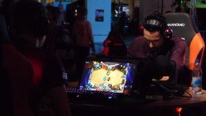 DreamHack Winter 2014 -tapahtumassa pelattiin myös digitaalista Hearthstone -korttipeliä