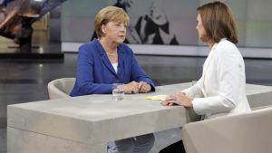 Angela Merkel intervjuades av tv-kanalen ZDF på söndagskvällen.