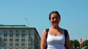En porträtt på Jessica Lindström, medlem i tyttörullalautailijat.