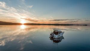 Kalastusvene Inarijärvellä