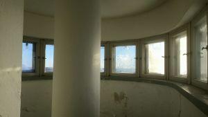 Fönster högt uppe i ett vattentorn.
