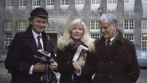 Lars sekä Aila Svedberg ja Edward Taylor Lontoossa vuonna 1983.