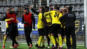 På torsdagen slog KuPS ut Slovan Bratislava.