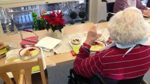mat på äldreboende