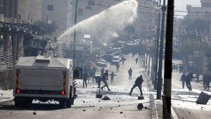 Sammadrabbningar mellan palestinier och israelisk militär