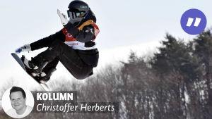 Enni Rukajärvi flyger i luften