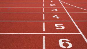 urheilukentän juoksuratojen numerot
