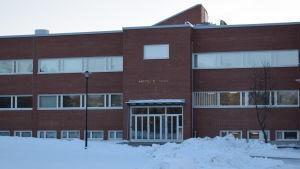 Anttilan koulu i Lojo.