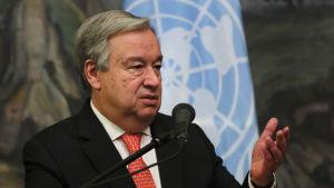 FN:s generalsekreterare António Guterres under en presskonferens den 21.7.