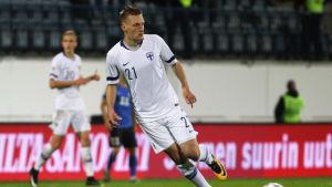 Rasmus Karjalainen i fotbollslandslaget.