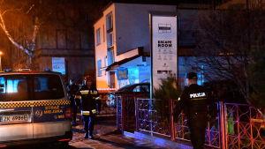 Polisen säkrade platsen där fem tonåringar miste livet i en brand som bröt ut under ett så kallat rymningsspel i Koszalin i Polen den 4 januari.