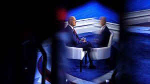 Joe Biden lovade ge besked före valet om huruvida han vill utöka antalet domare i Högsta domstolen.