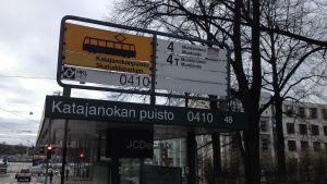 Spårvagnshållplatsen vid Skatuddsparken.