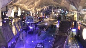 Estlands sjöfartsmuseum i Tallinn med ubåten Lembit i mitten.