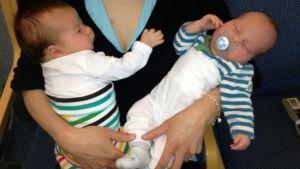 Tvillingarna Leah och Jacob Kankkonen.