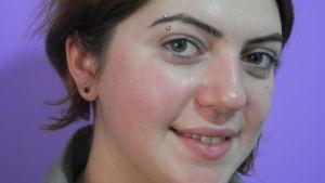 Elvira Meliksetjan vid Women's Resource Center i Jerevan, Armenien
