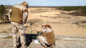 Natosoldater övar i Lettland.