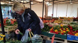 Trygghetskänslan har ökat i Sverige och Tatiana Wabalayi Massa känner sig trygg i Rinkeby.