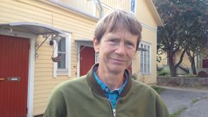 """Emelie Enckell har skrivit boken """"Olof Enckells liv i centrum av en kulturepok"""""""
