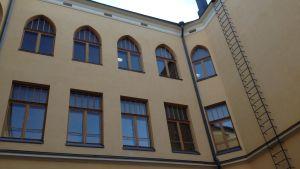 Fasaden på Svenska samskolan i Tammerfors