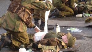 Det talas om ömsesidig respekt från den första dagen på den norska rekrytskolan.