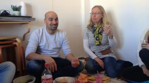 Heshmat Nuri med sin stödperson Harriet Lindelöf-Sahl