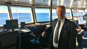 Wasalines vd Peter Ståhlberg på Wasa Express kommandobrygga.
