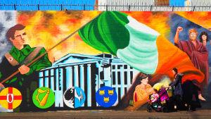 Muralmålning i Belfast.