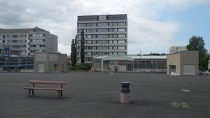 Uppgångarna till den underjordiska torgparkeringen i Jakobstad