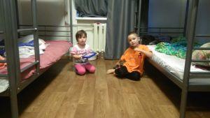 Skyddshemmet Dikoni i Viborg i Ryssland. De allra yngsta barnen har ett eget stort rum.