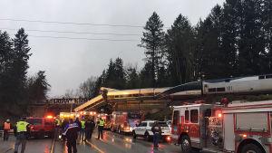 Myndigheter bekräftar att tåget bröt mot hastighetsbegränsningar då det spårade ur