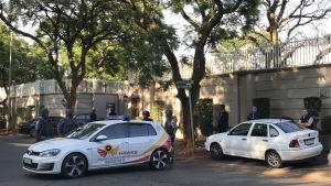 Polisrazzia i familjen Guptas bostadsområde i Johannesburg