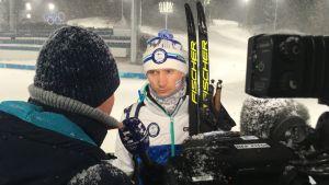 Hannu Manninen intervjuas efter sin sista OS-start.