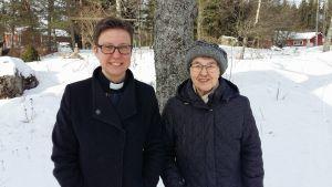 Prästkollegorna Malin Lindblom och Ulla Östman.