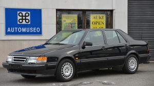 Saab 9000 modellen har en unik V8 motor under huven.