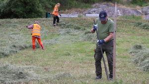 Hötalkot kom igång med frivilliga men erfarna deltagare.